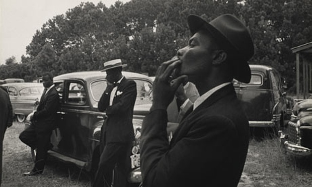 Eine neue Bildsprache für Amerika: Beerdigung, St. Helena, South Carolina, 1955. Q: The Guardian
